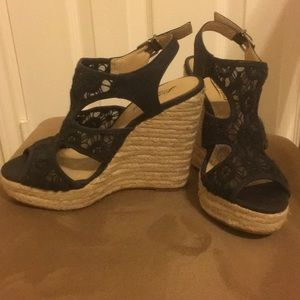 HOST PICK 💖 Lucky brand wedge sandals